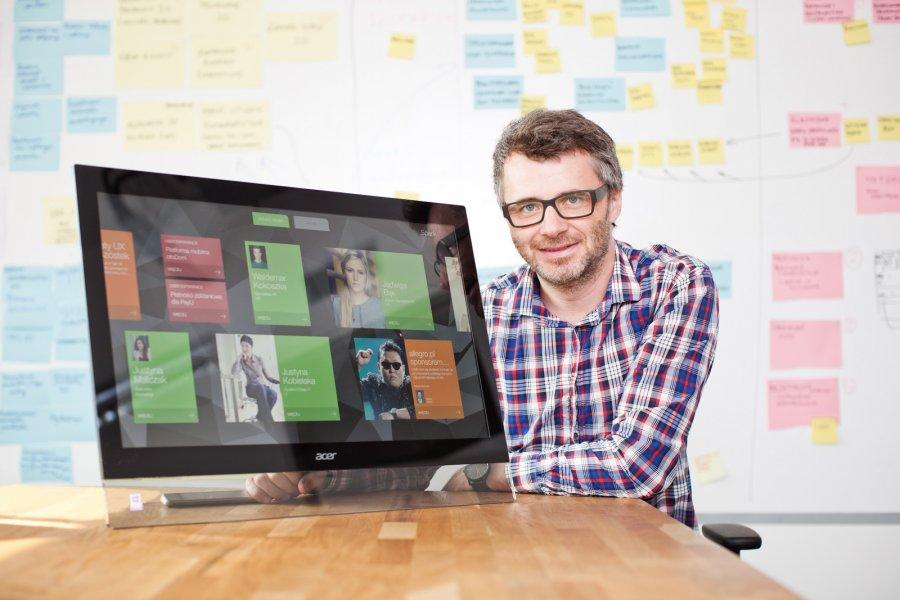<p><br /> <br /> BlueHat opracował SPARK - innowacyjny system dystrybucji informacji wewnątrz firm, wspomagający procesy dzielenia się wiedzą. System wspiera zarządzanie komunikacją wewnętrzną w przedsiębiorstwach zatrudniających ponad 150 pracownik&oacute;w.</p>